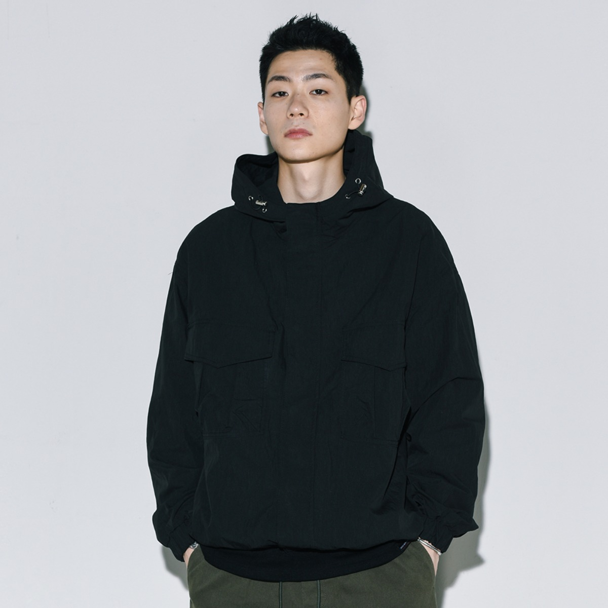 Utility Windbreaker - Black