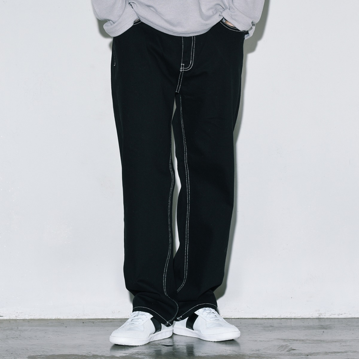 Contrast Stitched Cotton Pants - Black