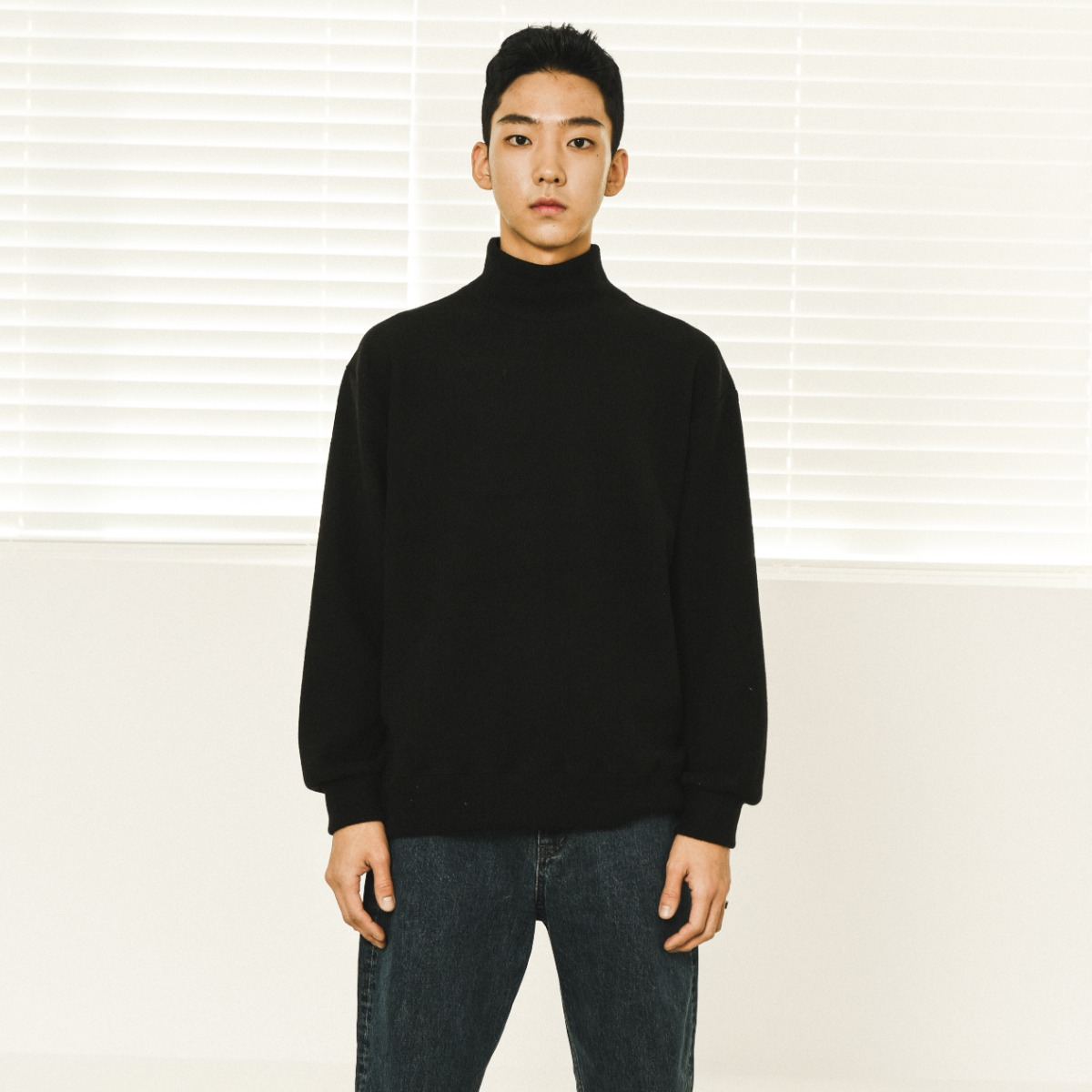 Soft Poloneck Knit - Black
